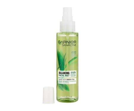 Garnier SkinActive Balancing Facial Mist with Green Tea