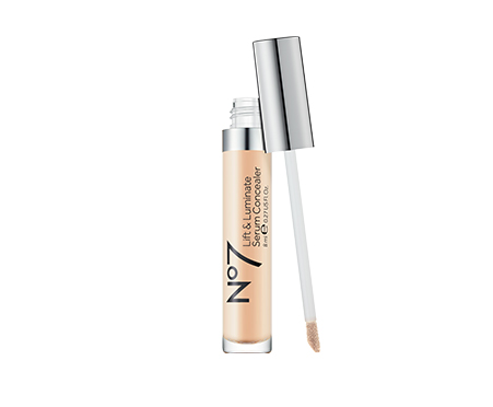 No7 Lift & Luminate Triple Action Serum Concealer Fair